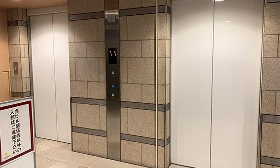 エレベーターで5Fへ
