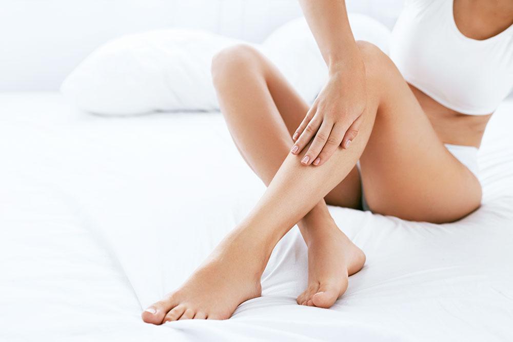 脱毛はなぜ痛い?医療脱毛が痛い理由と効果、痛みを軽減する方法